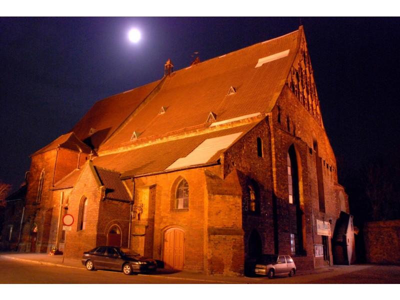 Średniowieczny kościół  p/w matki Boskiej CZęstochowskiej