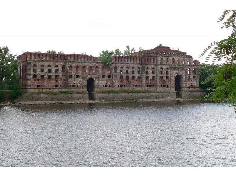 Ruiny spichlerza zbożowego, budowa Banku Polskiego z 1844 r.