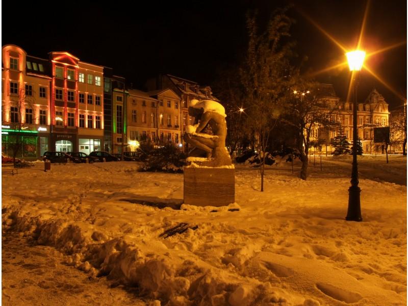 Upokorzony w parku  przy ul.Starzyńskiego