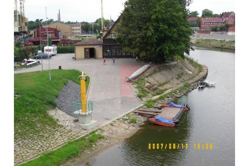 port nad rzeką Odrą