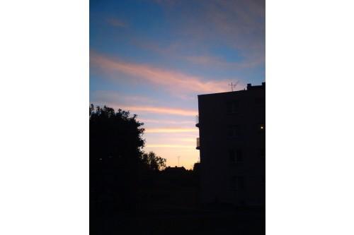 Wiosenny zachód słońca na u
