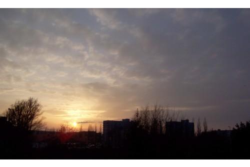 Marcowy zachód słońca oś P