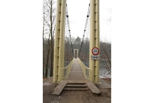 Most Wiszący  nad jez. Raduń